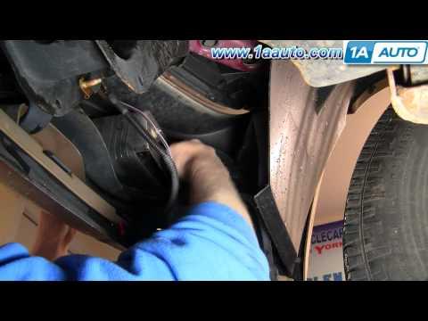В видео показано, как заменить лампочку ближнего, дальнего света или габаритного огня на Ford Focus 2.