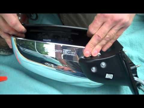 В видео показано, как своими руками поменять батарейку в ключе